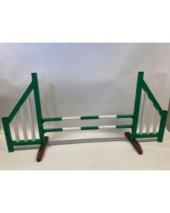 Obstacle green (ouvert) avec deux poutres de saut et 4 supports de suspension